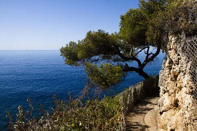 Le Corbusier Trail between Monaco and Memton